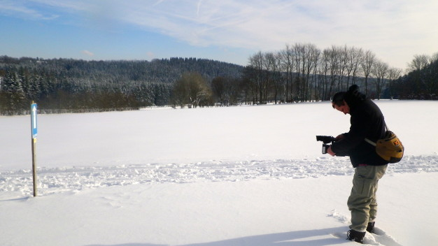 Matze im Schnee mit Kamera