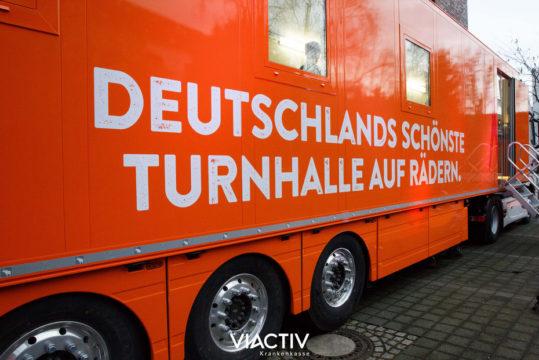 Bild: Der Viactiv-Truck ist Deutschlands schönste Turnhalle auf Rädern.