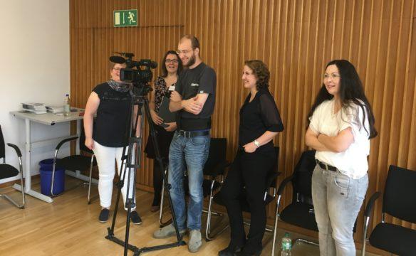 Kameramann Tim Ernsting hatte viel Spaß mit den Fallkoordinatorinnen